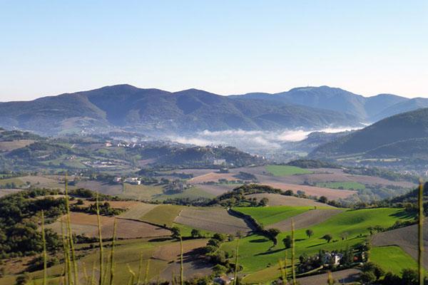 panorama-sud-est-dal-monte-la-penna